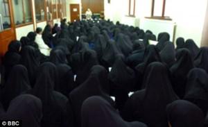 Para murid perempuan di sekolah Islam