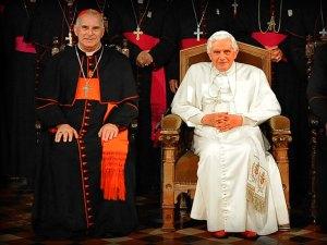 Kardinal O'Brien bersama Paus Benedictus XVI