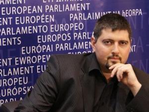 Csanad Szegedi dan Parlement Eropa