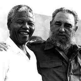 Nelson Mandela dan sahabatnya Videl Castro