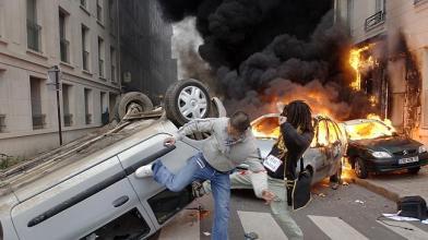 Kriminal pembakaran dan pengerusakan mobil di Perancis
