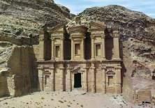 Bait  dewi Al-Uzza di Petra