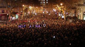 puluhan ribu pendukung Charlie Habdo demo NOT AFRAID