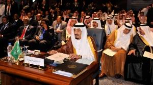 Raja Saudi Salman dan para delegasi pada Arab League Summit di Sinai Mesir
