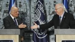 President Reuven Rivlin memberi salam ke Hakim Salim Joubran Good job!